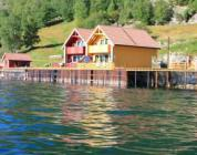 Cabin closed to Sognefjord. 8 persons, sauna, different boat sizes up to 60hp, location Sogn og Fjordane