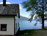 3 fishing houses at the Sognefjord: Norway, fishing boats up to 60 hp, Internet included in pricing, Sauna!