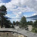 Very nice holidy house with panoramic view over the blue Hardangerfjord and the mountaiins, motorboat to hire, el. power, internet and TV inklusive!