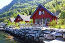 Exclusive cottages in norway direct at the fjord, fishing boat included, internet, current, water, all inclusive