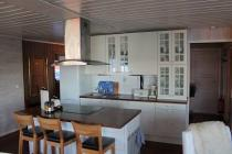 Small holiday house closed to Rosendal, Kvinnherad Kommune, motorboat, electric power included, 10 meters to the fjord